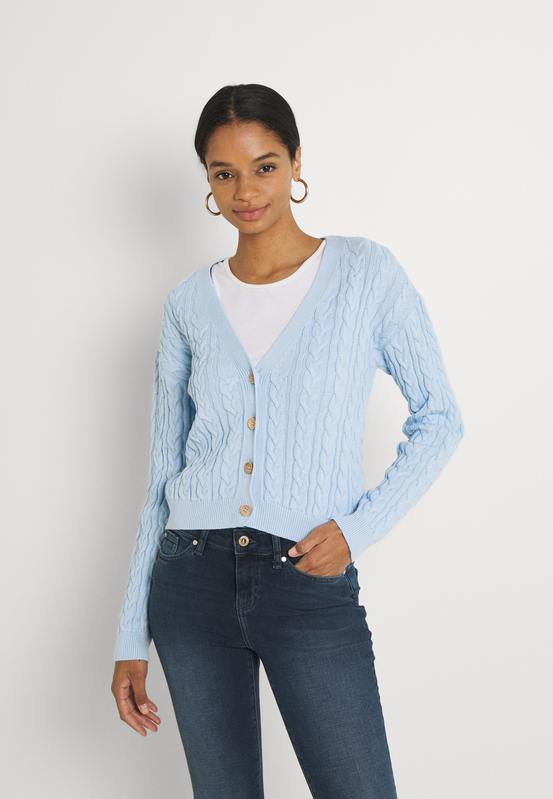 Donna CROPPED CABLE CARDIGAN - Cardigan