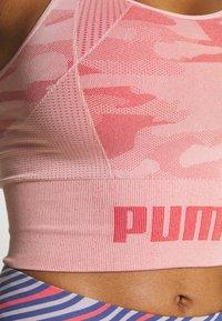Puma - EVOKNIT SEAMLESS CROP - Sports shirt - bridal rose - 5