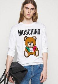 MOSCHINO - Jumper - white - 3