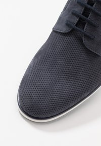 Pier One - LEATHER - Chaussures à lacets - dark blue - 5