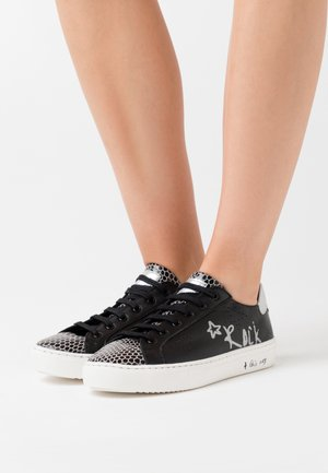 LULLABY - Sneakers basse - noir/argent