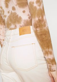 BDG Urban Outfitters - MOM - Džíny Relaxed Fit - off white - 5