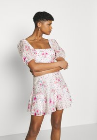 Forever New - HEATHER SQUARE NECK MINI DRESS - Day dress - rouge - 3