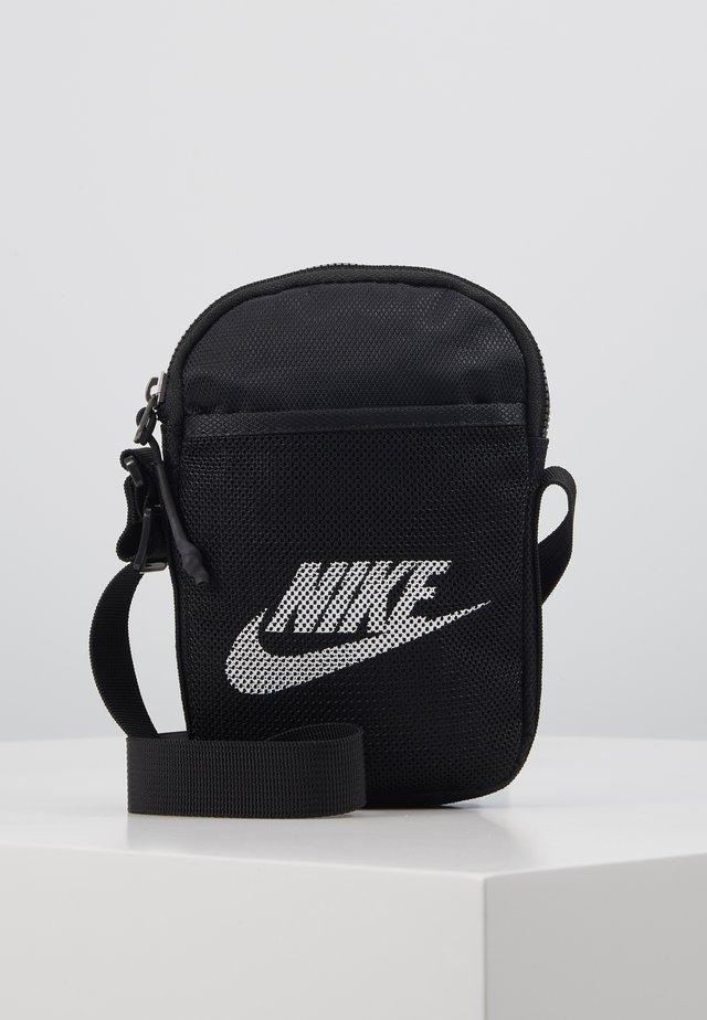 NIKE HERITAGE UNISEX - Across body bag - black/black/white