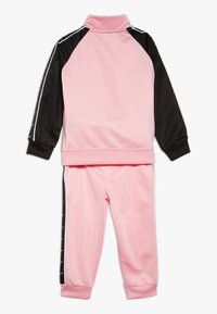 Nike Sportswear - TRICOT TAPING SET - Trainingsanzug - pink - 1