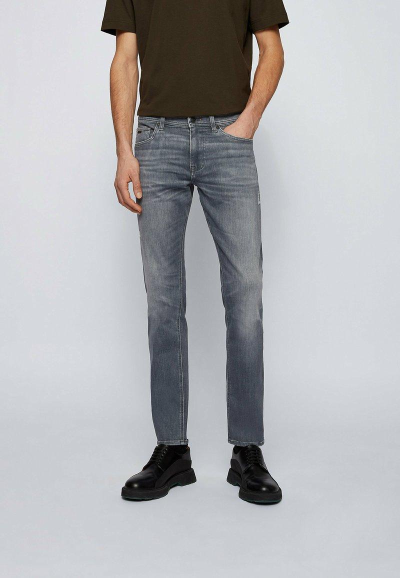 BOSS - DELAWARE  - Slim fit -farkut - grey