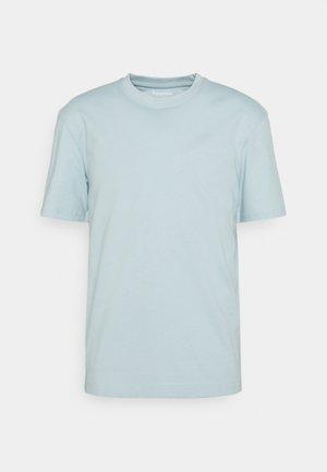 JJERELAXED TEE O-NECK - T-shirt - bas - winter sky