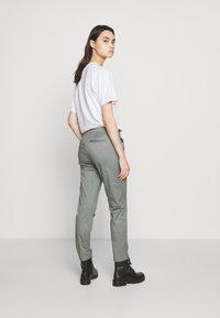 CLOSED - JACK - Chino kalhoty - dusty pine - 2