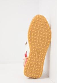 Puma - RIDER - Sneakers basse - whisper white/pebble/high risk red - 4