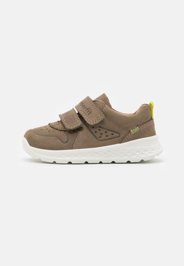 BREEZE - Sneakers laag - grün/hellgrün