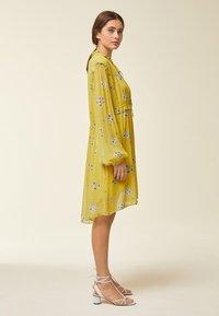 IVY & OAK - Day dress - yellow - 1