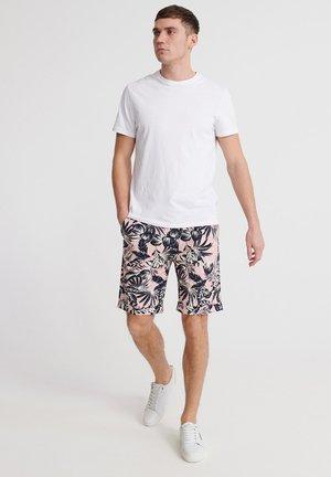 SUPERDRY EDIT PLEAT CHINO SHORTS - Shorts - pink palm