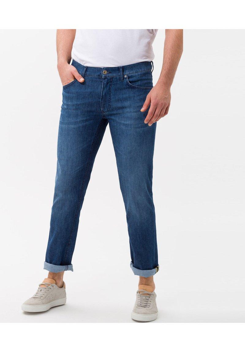 BRAX - STYLE CHUCK - Slim fit jeans - regular blue used