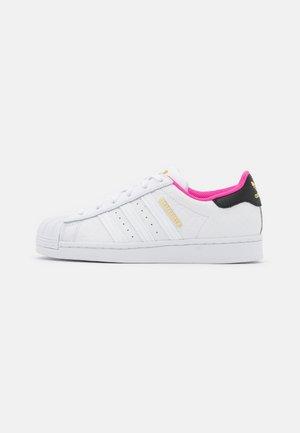 SUPERSTAR - Trainers - screaming pink/footwear white/core black