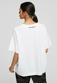 KARL LAGERFELD - RELAXED FIT  - T-Shirt basic - white - 2
