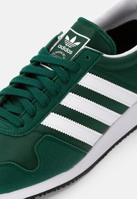 adidas Originals - USA 84 CLASSIC - Tenisky - collegiate green/white/collegiate navy - 4