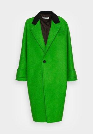 Klasický kabát - green