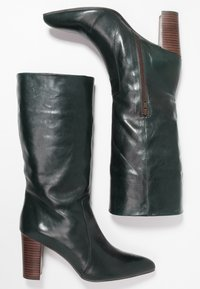 Pedro Miralles - Boots - tequila forest - 3