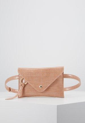IDA - Bum bag - peach croco
