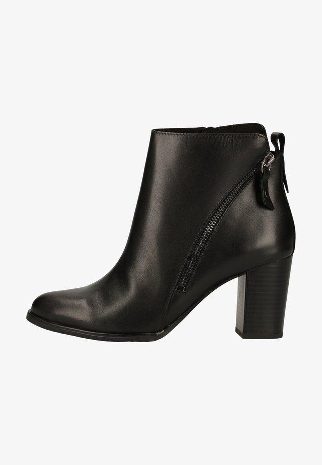 Korte laarzen - black nappa 022
