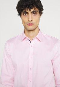 OLYMP No. Six - Formal shirt - rose - 3