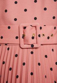 Closet - PLEATED DRESS - Day dress - rose - 7