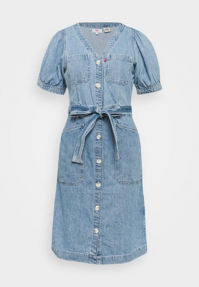 BRYN DRESS - Robe en jean - light blue denim