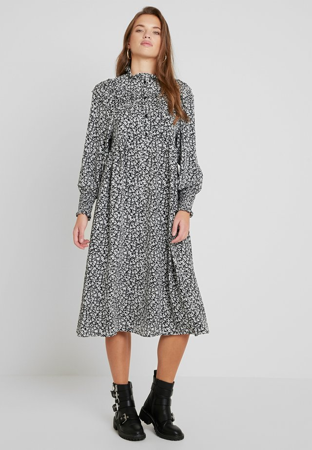 PINTUCK SMOCK - Robe chemise - mono