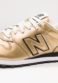 New Balance - GW500 - Sneakers - gold - 2