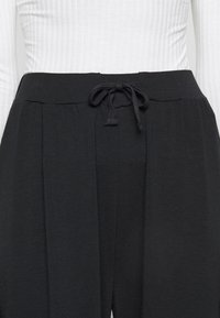 Anna Field Tall - WIDE LEG TROUSERS - Bukse - black - 4