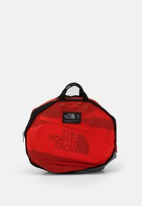 The North Face - BASE CAMP DUFFEL S UNISEX - Sports bag - flare/black - 4