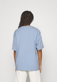 adidas Originals - TEE - T-shirts med print - ambient sky - 2