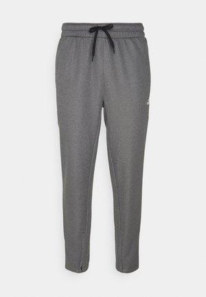 GAME AND GO TEAM ISSUE AEROREADY WARMING - Pantalon de survêtement - solid grey/white