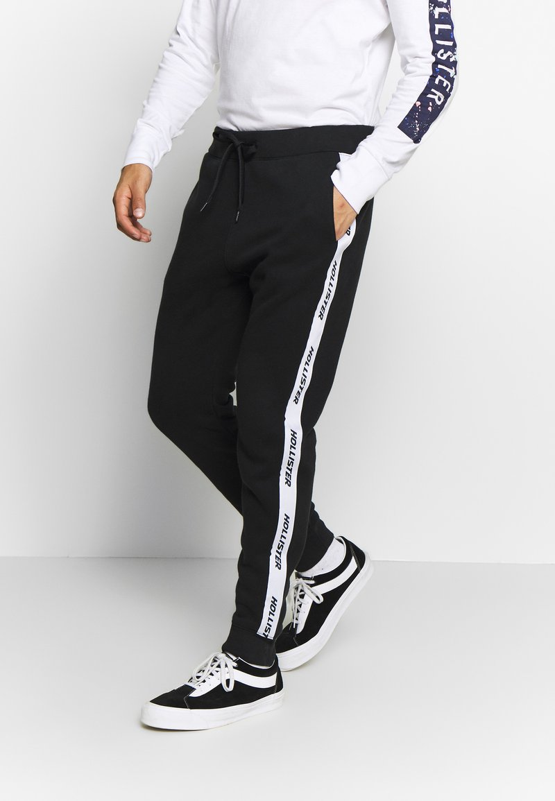 Hollister Co. - Tracksuit bottoms - black