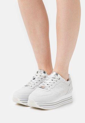 EILA - Baskets basses - light grey