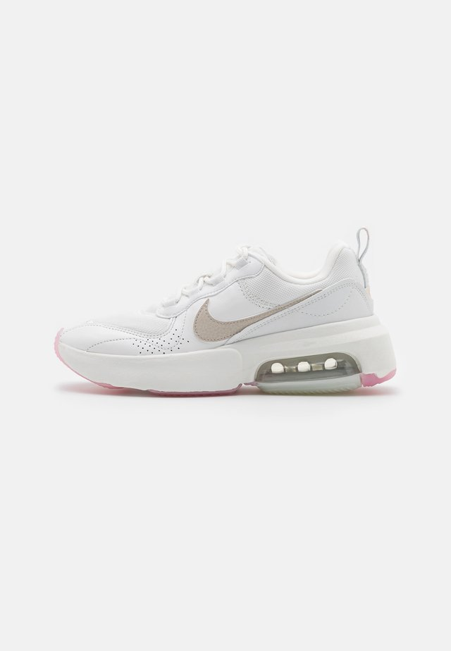 AIR MAX VERONA - Baskets basses - summit white/light orewood brown/fossil/light arctic pink/metallic summit white