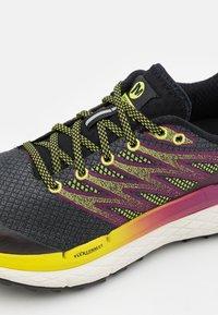 Merrell - RUBATO - Běžecké boty do terénu - black - 5