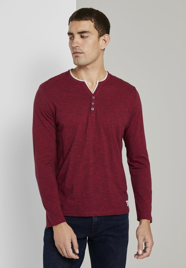 Long sleeved top - red fine stripe