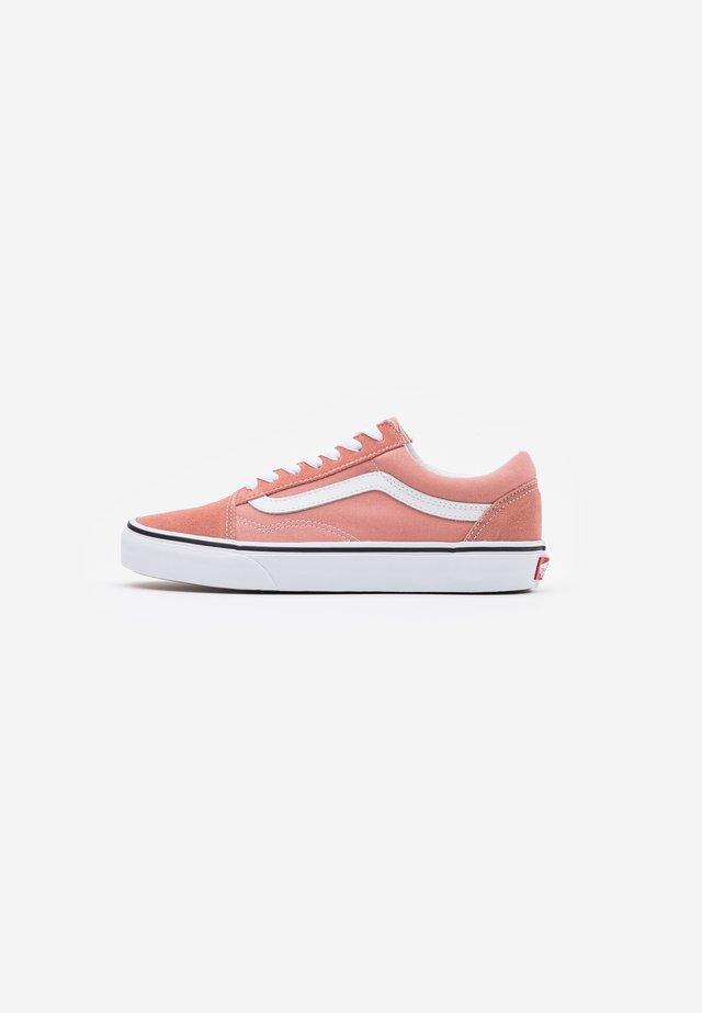 OLD SKOOL UNISEX - Sneakersy niskie - rose dawn/true white