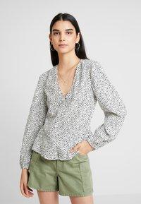 New Look - SONIC LULU DITSY PEPLUM - Bluser - white - 0