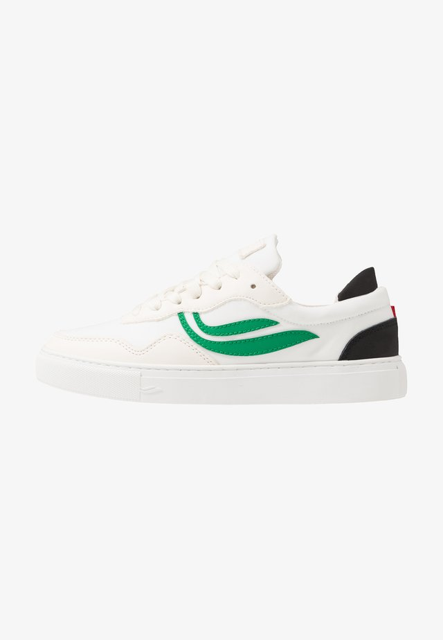 SOLEY UNISEX - Matalavartiset tennarit - white/green/black