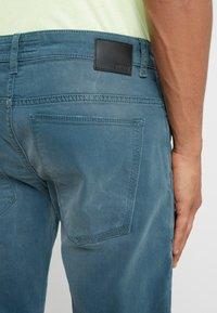 DRYKORN - JAZ - Slim fit jeans - aqua - 5