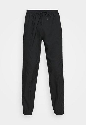 SEASO PANT - Träningsbyxor - black/white