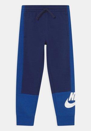 AMPLIFY UNISEX - Pantalones deportivos - blue void