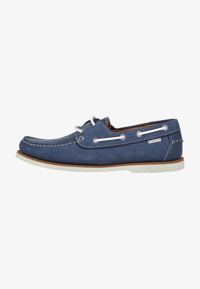 Boat shoes - classic navy