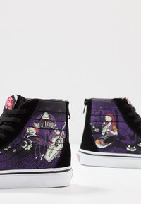 Vans - NIGHTMARE BEFORE CHRISTMAS SK8 - Sneakers high - black - 5