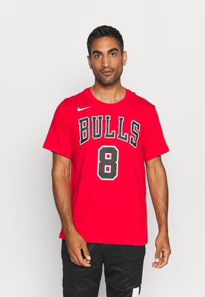 CHICAGO BULLS NAME AND NUMBER TEE - Squadra - university red