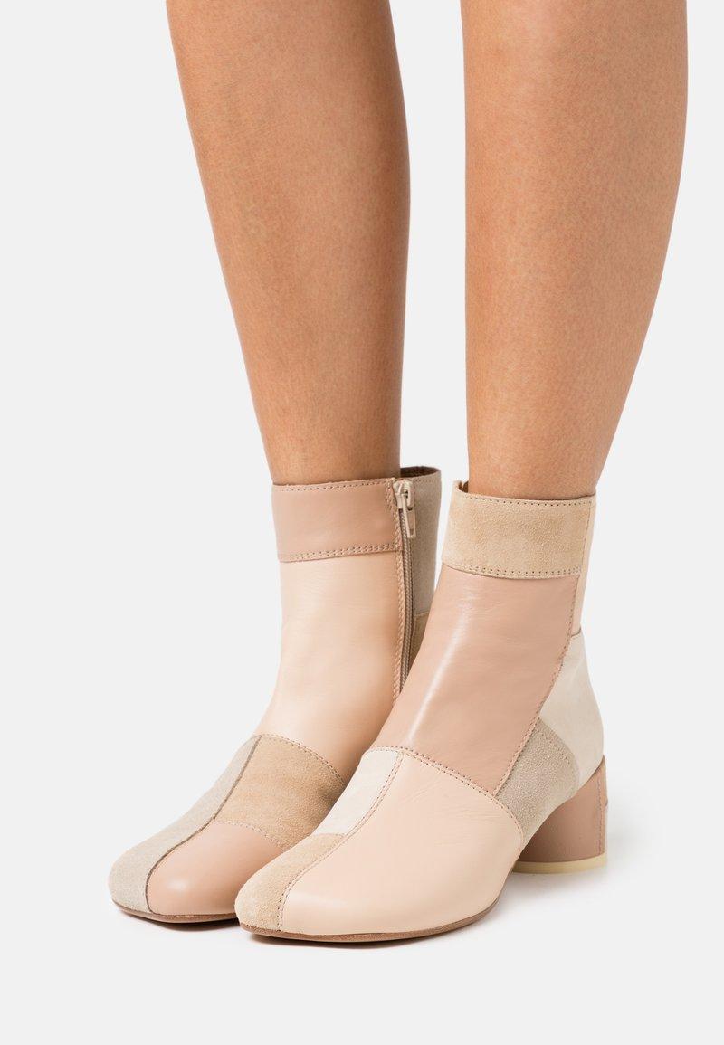 MM6 Maison Margiela - STIVALETTO - Classic ankle boots - multicolor/nude