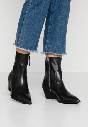 BATIS - Cowboy/biker ankle boot - black