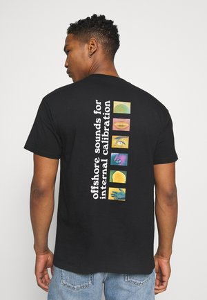 CALIBRATE - T-shirt med print - black
